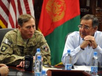 US Defense Secretary Leon Panetta visits Kabul