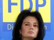Erneute Pruefung der Doktorarbeit von FDP-Politikerin Mathiopoulos