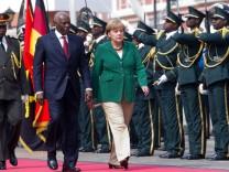 Kanzlerin Merkel in Angola