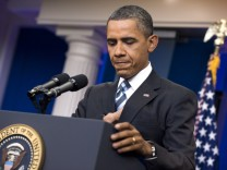 US President Barack Obama continues debt ceiling and budget negot