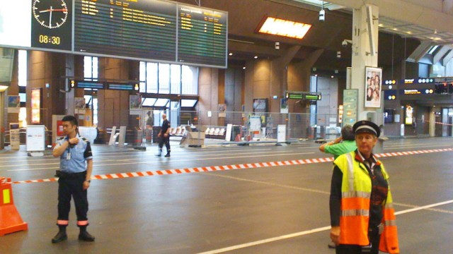 Suitcase without owner found at Oslo main railway station