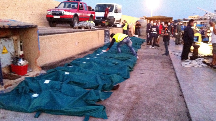 Libyan migrant boat arrives in Italy with 25 dead