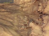 Moegliche Spuren fluessigen Wassers an Marshaengen entdeckt