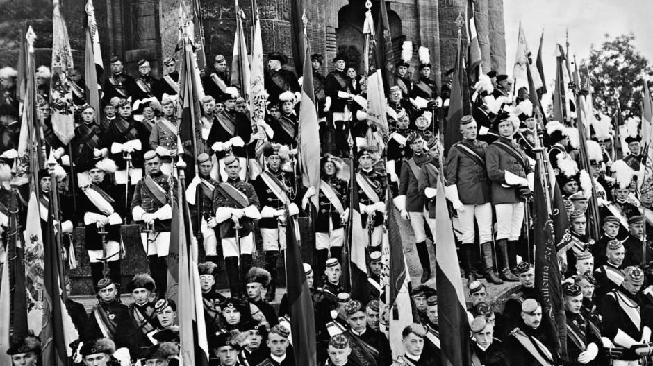 Feier am Burschenschaftdenkmal auf der Wartburg, 1927