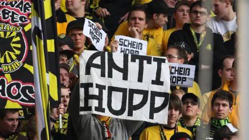 Bundesliga Mit Lautsprecher gegen BVB-Fans