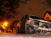 Erneut Autos in Berlin in Flammen - Neun Pkw angezuendet