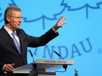 Bundespraesident Wulff besucht Nobelpreistraegertreffen in Lindau