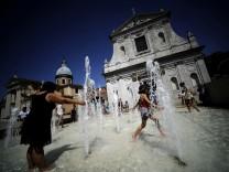 Rom Italien Hauptstadt Touristen Ara Pacis Brunnen