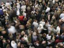 Mitte 2011 wird es sieben Milliarden Menschen geben
