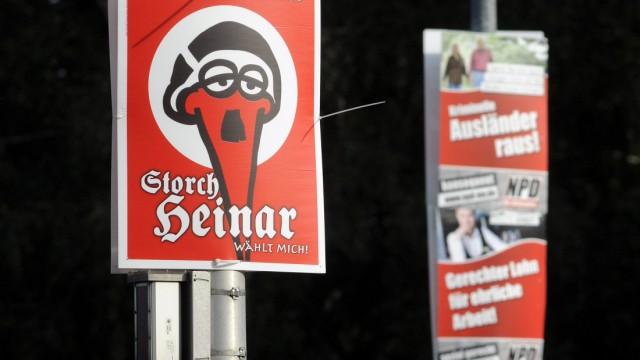 'Storch Heinar'-Satire aergert Rechtsextremisten im Landtagswahlkampf