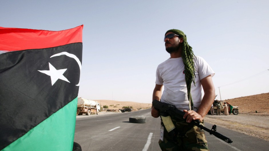 Rebels poised to enter Gaddafi stronghold of Bani Walid