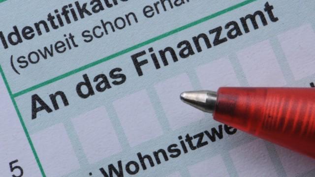 Steuern und Abgaben 2013