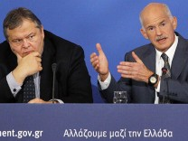 Griechenlands Finanzminister Evangelos Venizelos (li.) und Premier Georgios Papandreou.