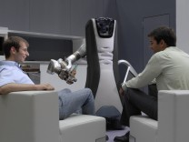 Roboter mit Gestensensor Kinect vom Microsoft