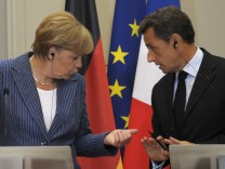 Merkel, Sarkozy call for new eurozone budget rules