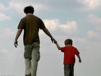 Gerichtshof für Menschenrechte stärkt Rechte leiblicher Väter