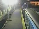 Überwachungsvideo zeigt Zugkollision (Vorschaubild)