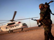 Rebels push into Gaddafi strongholds amid fierce fighting