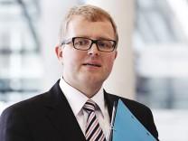 Schaeffler (FDP) speaks to journalists in Bundestag in Berlin