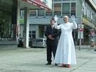 Falscher Papst auf den Straßen Berlins (Vorschaubild)