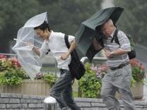 Taifun Roke über Japan