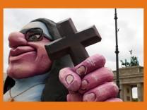 *** BESTPIX ***  Activists Protest Pope Visit