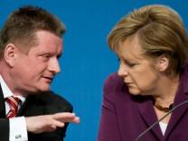 Bundeskanzlerin Angela Merkel und CDU-Generalsekretär Hermann Gröhe