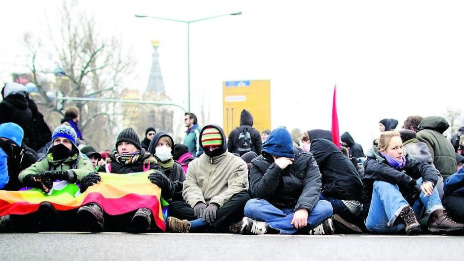 Dresden zum 19. Februar 2011 - Blockade Antifa