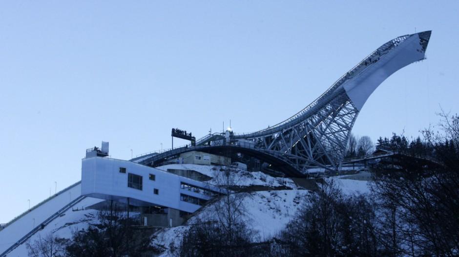 Einweihung der neuen Skisprungschanze in Garmisch-Partenkirchen