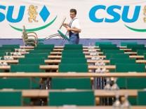 Aufbauarbeiten zum Parteitag der CSU