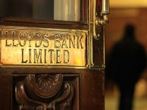 Lloyds Banking Group Misses Estimates