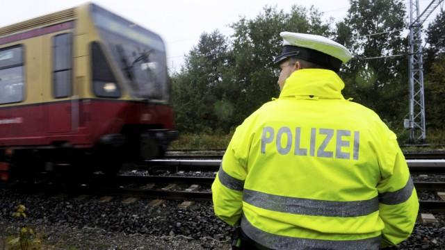Wieder Brandsätze an Berliner Bahnstrecke