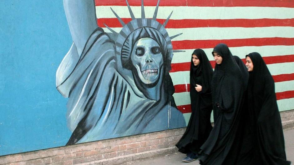 Anti-Amerikanisches Wandbild in Teheran
