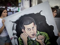Israeli Cabinet Agree Deal For Return Of Kidnapped Soldier Gilad Shalit