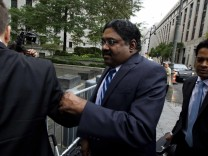 Galleon hedge fund founder Raj Rajaratnam departs Manhattan Federal Court in New York