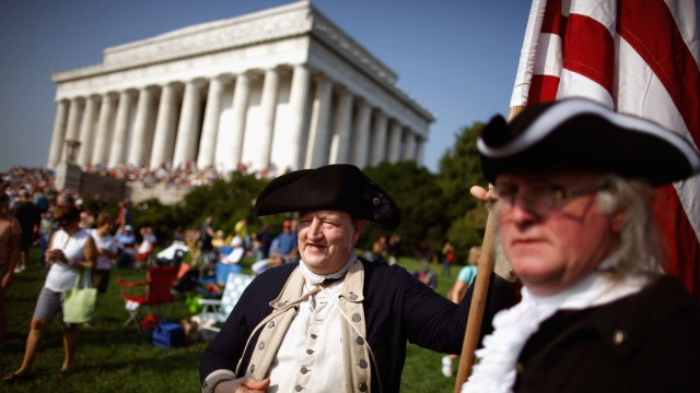 Glenn Beck Hosts Controversial 'Restoring Honor' Rally At Lincoln Memorial