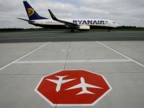 Ryanair Flugzeug am Airport