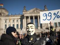 Demonstration gegen Macht der Finanzmaerkte in Berlin