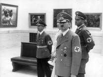 Hitler und Goebbels bei Eröffnung der Großen Deutschen Kunstausstellung