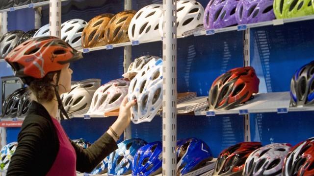 Ramsauer erwaegt Helmpflicht fuer Radfahrer