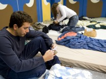 Regensburger Studenten schlafen im Partykeller