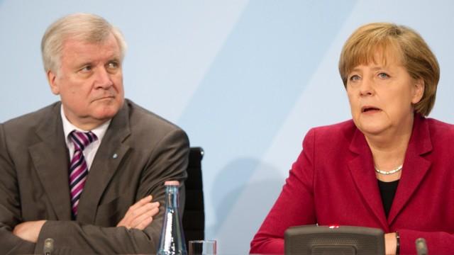 Seehofer fuehlt sich von Merkel mit Absicht uebergangen