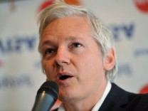 Julian Assange speaks at Frontline Club