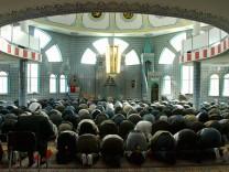 Schoenbohm: Islamistischen Hasspredigern Staatsbuergerschaft aberkennen