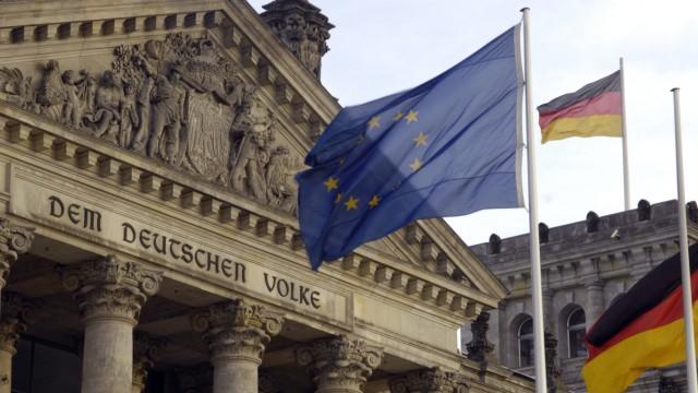 Vor neuer Abstimmung über Erweiterung des Euro-Rettungsschirms