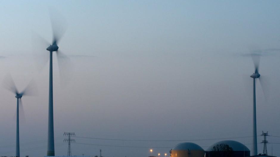 Inbetriebnahme des weltweit ersten Wasserstoff-Hybridkraftwerks