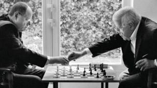 """Peer Steinbrück, Helmut Schmidt, Buchcover """"Zug um Zug"""""""