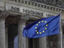 Verfassungsgericht setzt Verfahrensregeln für Euro-Rettung aus