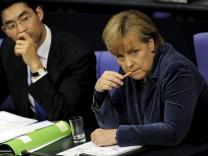 Bundeskanzlerin Angela Merkel (CDU) mit Vizekanzler Philipp Rösler (FDP) Euro-Rettung Griechenland