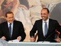 Berlusconi will bei Neuwahlen nicht wieder antreten